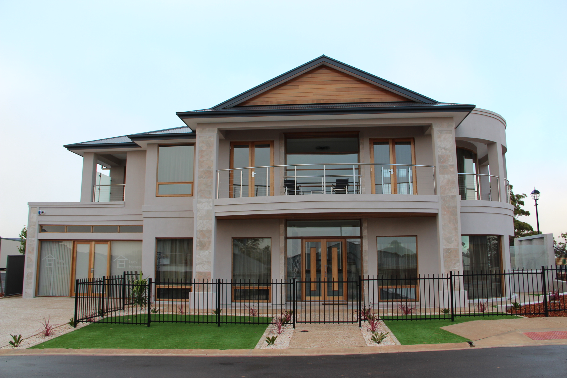 Lucy homes blackwood park for Home builder contractors